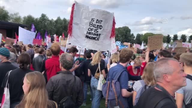 Hollanda'da konut azlığı ve kira fiyatları protesto edildi
